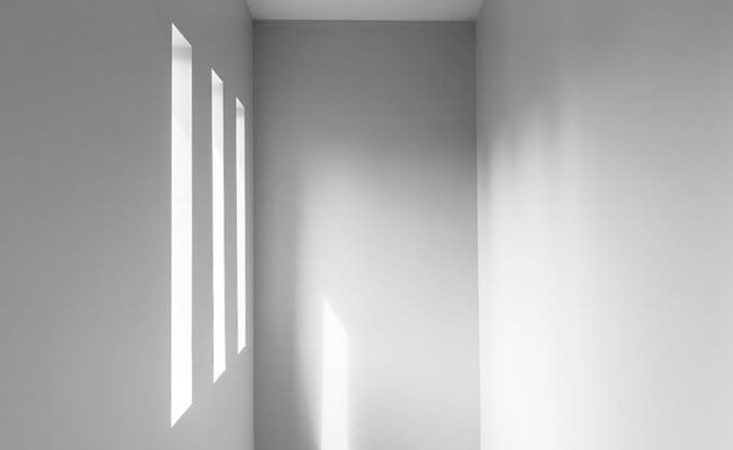 Natural sunlight shining onto white walls